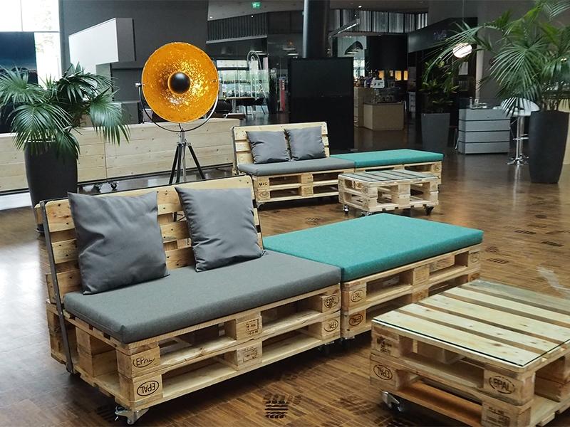 kombipreis paletten lounge landschaft dreiteilig gepolstert. Black Bedroom Furniture Sets. Home Design Ideas