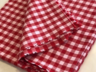 Tischdecke rot/weiß kariert ca. 130 x 130 cm